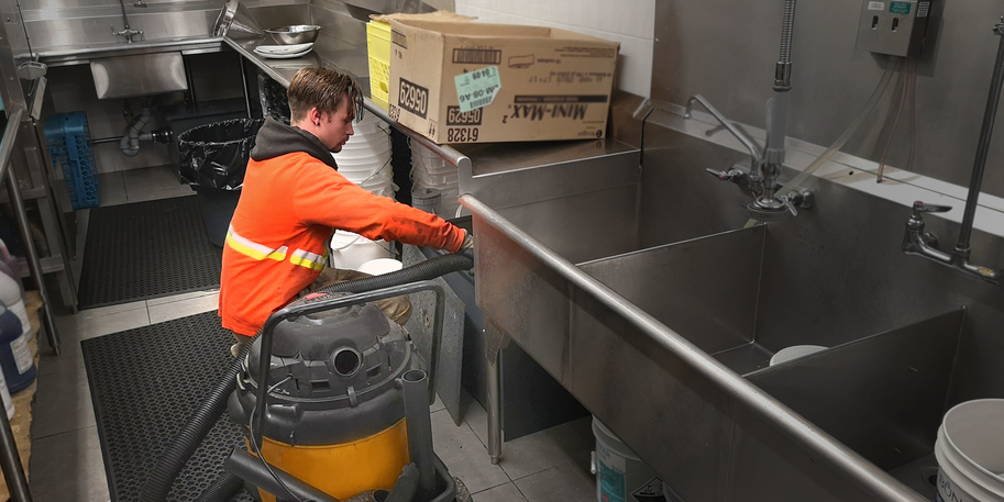restaurant-grease-trap-cleaning_Resized Small